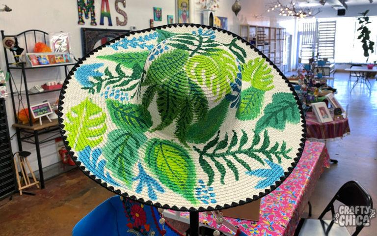 Why you need this painted hat tutorial! #craftychica #paintedhats