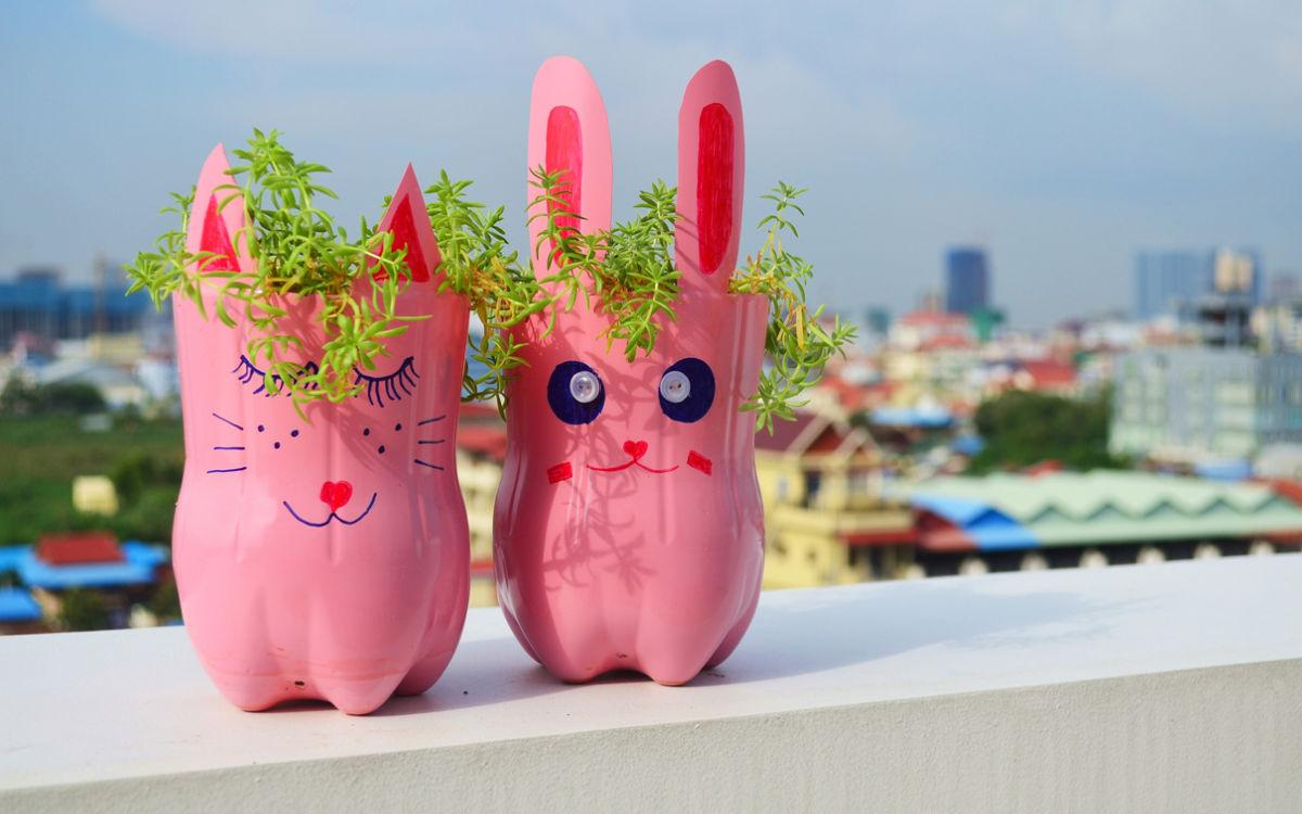 plastic-bottle-planters