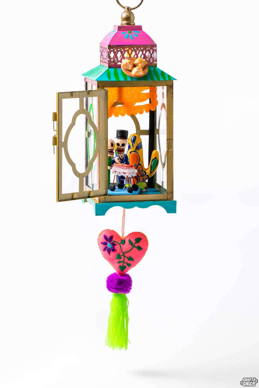 Lantern shrine for Day of the Dead