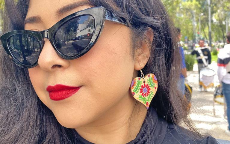 Painted wood earrings #craftychica #woodearrings