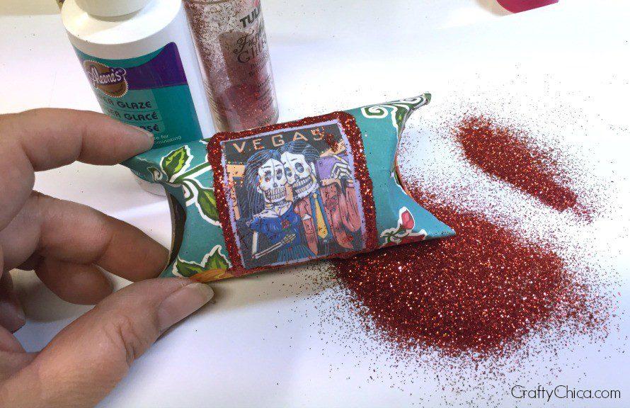 muertos-party-favors-glitter