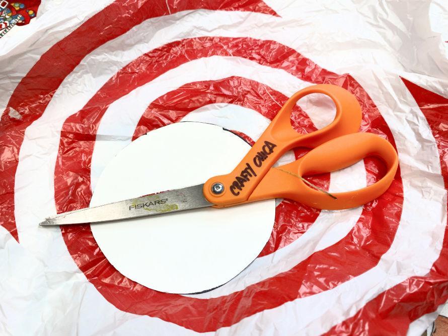 plastic bag crafts: DIY Coasters! #craftychica #plasticbagcrafts